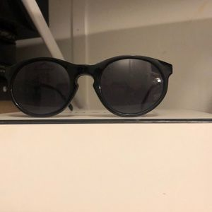 Black fashion glasses